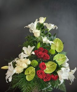 Centro con flor variada.