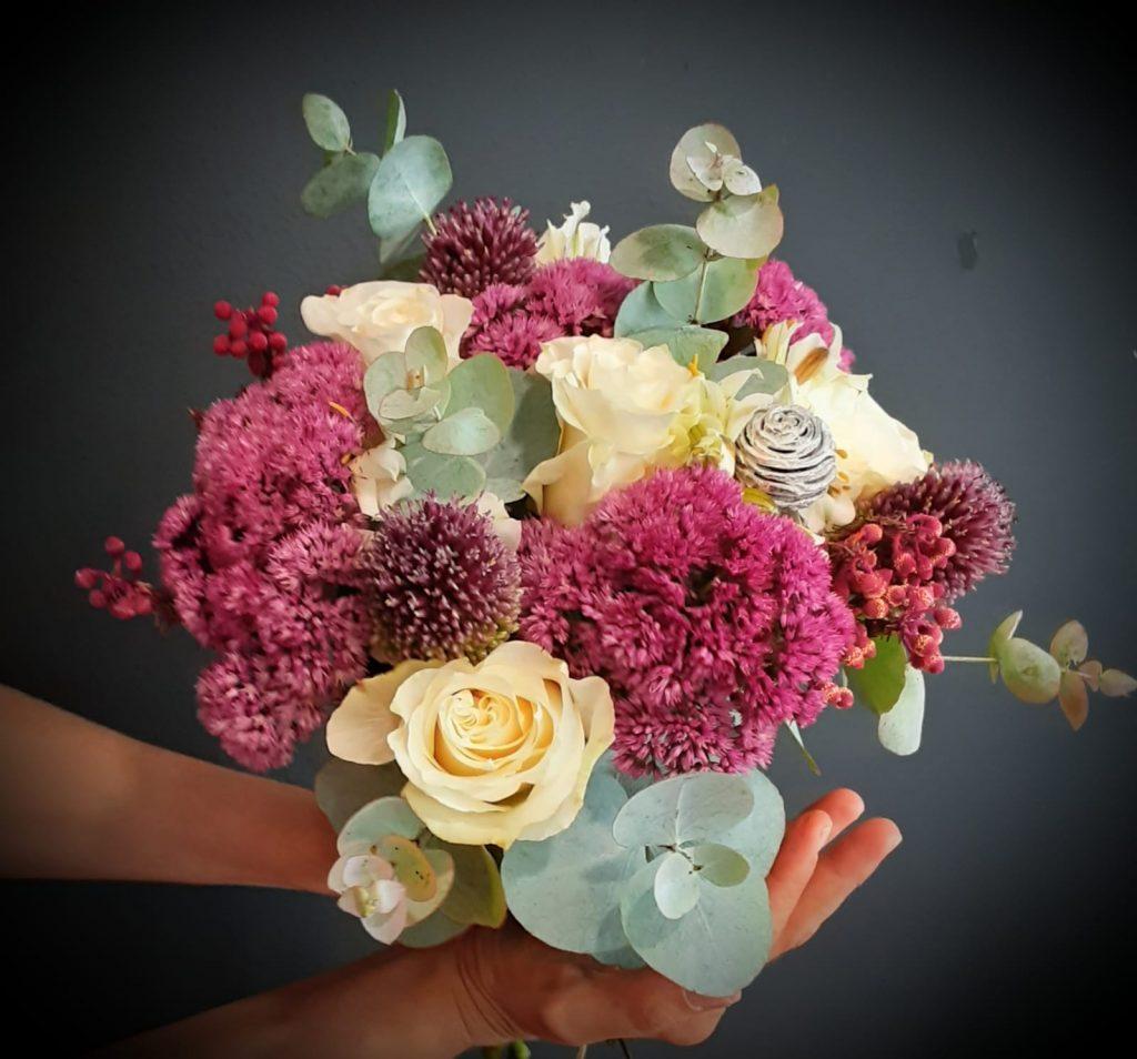 Ramo novia, tonos blancos y lilas con lisianthus, verónicas, secos y verdes variados.