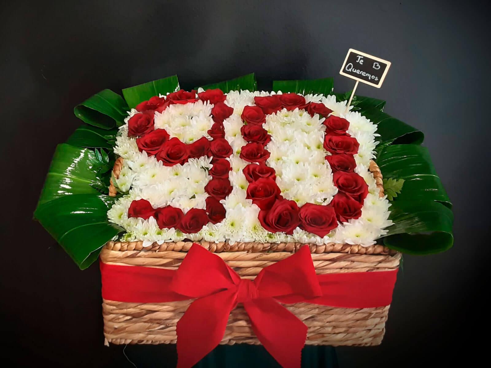Detalle original con flores